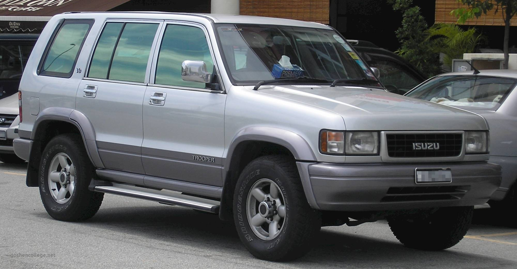 Isuzu Rodeo 2 Wheel Drive Luxury 2002 isuzu Rodeo S 2 2l 4dr 4—2