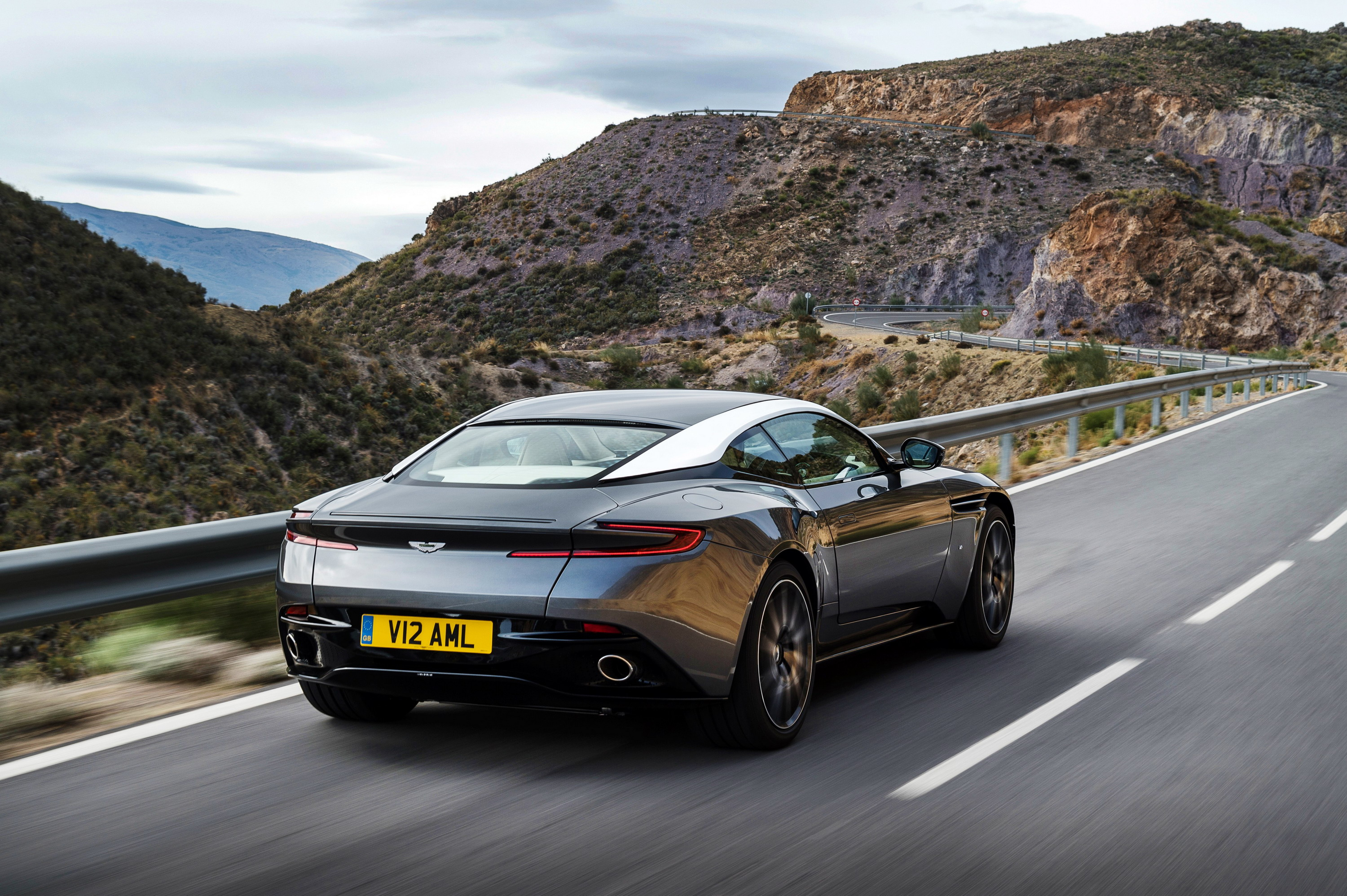parison 2019 Aston Martin DBS Superleggera Vs Aston Martin DB11