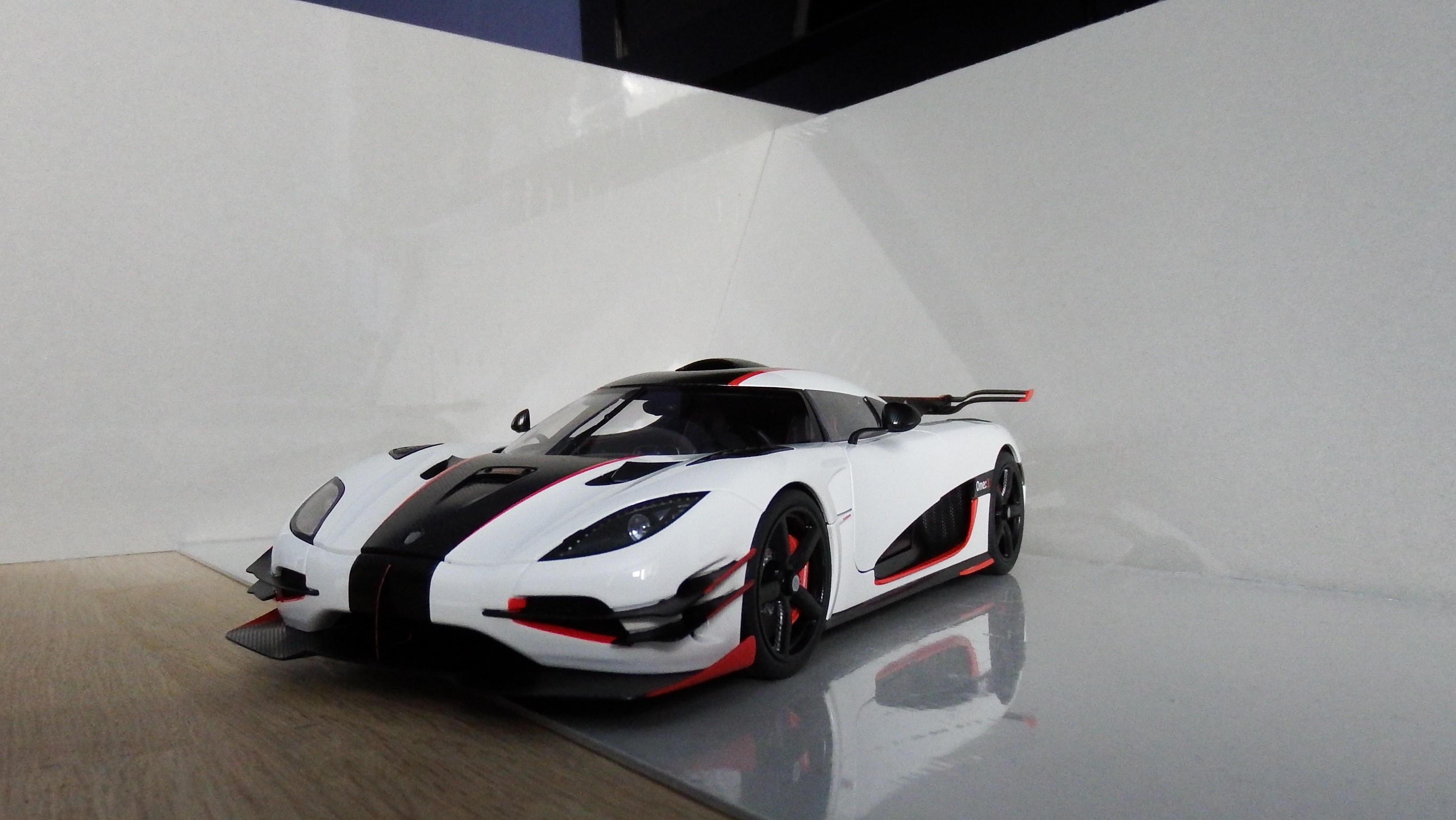 Top Gear Koenigsegg One Lovely Laferrari´s 1 18 Collection Dx 1 18 Collectors