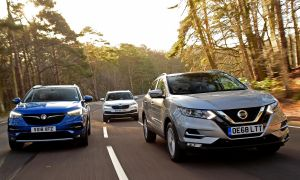 What is the Difference Between Opel and Vauxhall Elegant Nissan Qashqai Vs Vauxhall Grandland X Vs Skoda Karoq