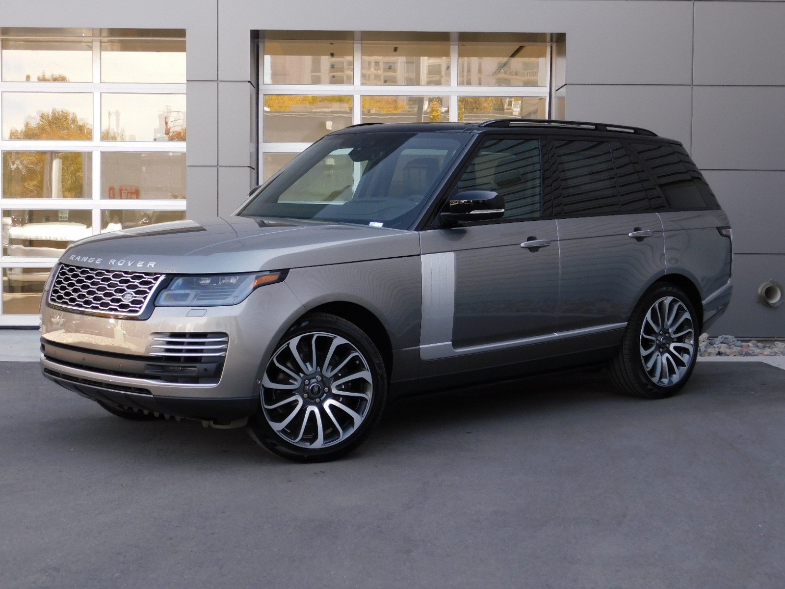 What is the Difference Between Land Rover and Range Rover Unique New 2020 Land Rover Range Rover Autobiography Swb with Navigation & 4wd