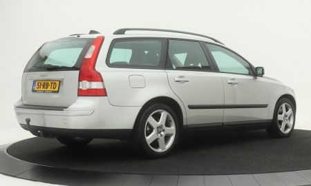 Dealer Volvo Luxury Used Volvo V50 2 0d Momentum Climate Control